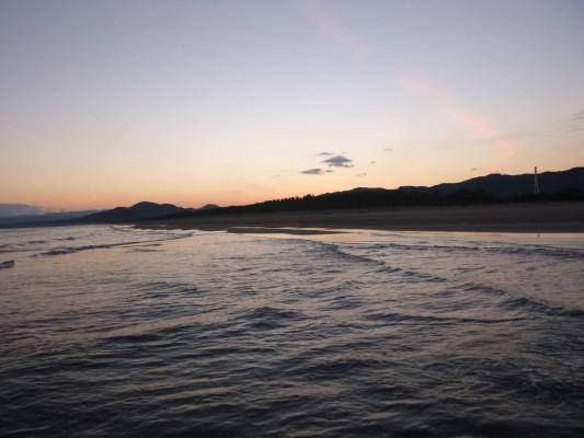 サーフヒラメのヒット率の高い条件【大潮】【朝マズメ】【満潮】