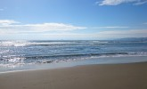 波を見て狙いを絞る。遠浅サーフ攻略のカギは急深サーフにあり?